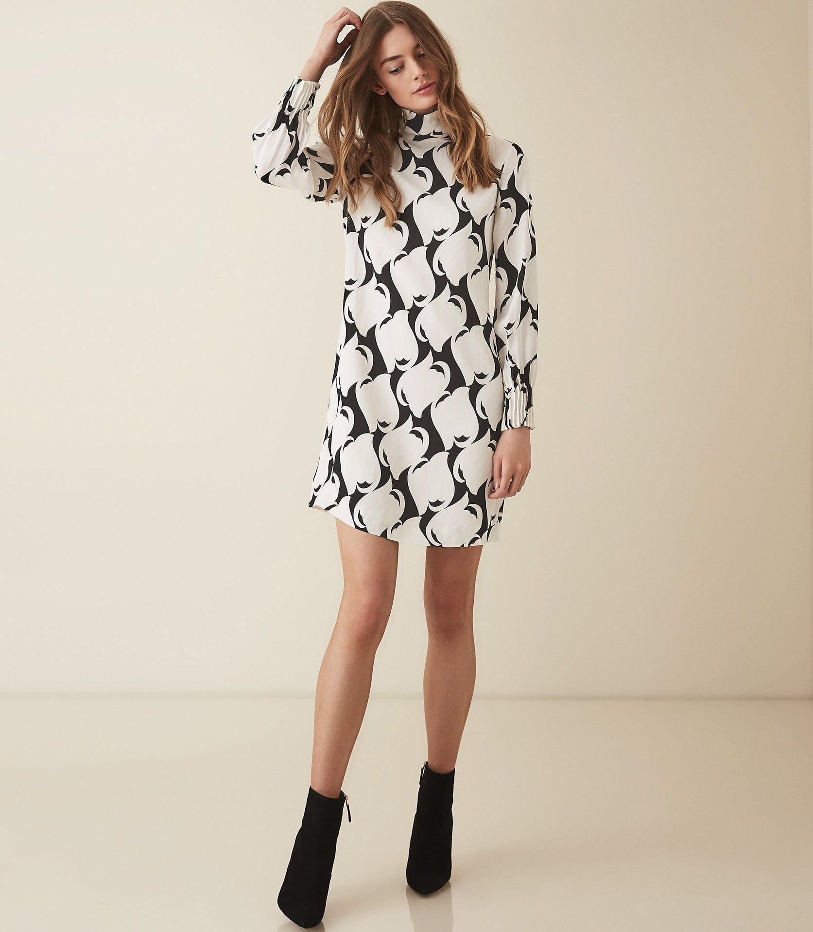 92d559a83129e Meghan Markle Pregnancy Style: Her Best Fashion Looks