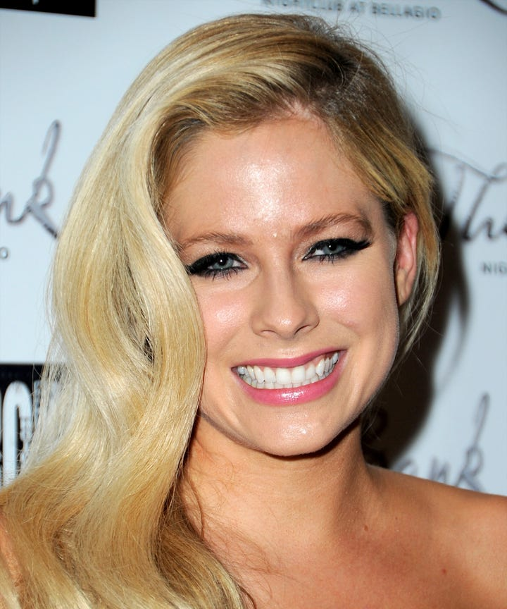 Avril Lavigne Dead Conspiracy Theory Hoax Truth Photos