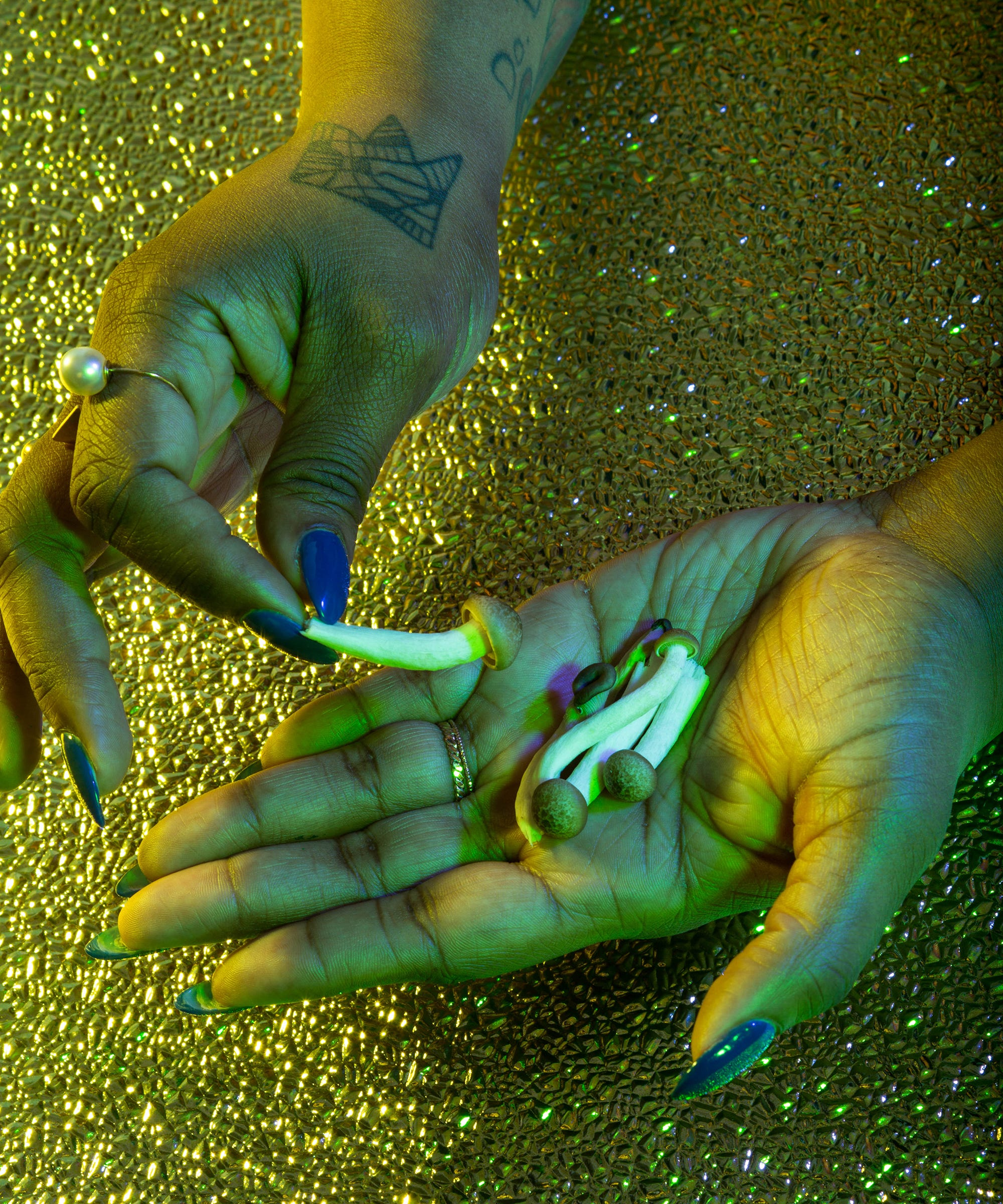 Can Microdosing Psychedelic Mushrooms Curb Your Anxiety?