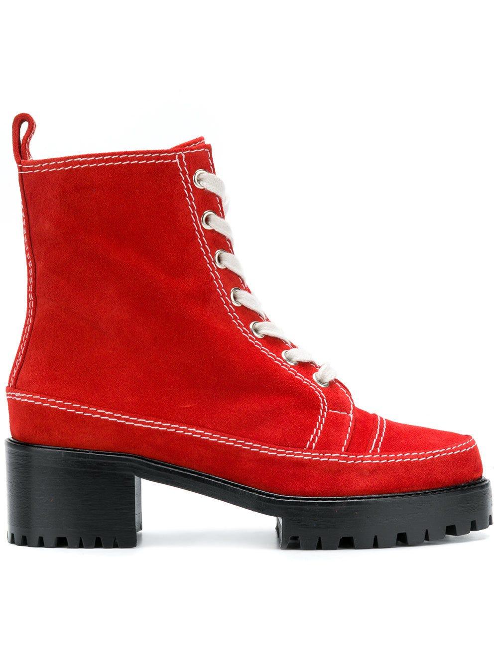 Nicole Saldan? Chris 2.0 boots