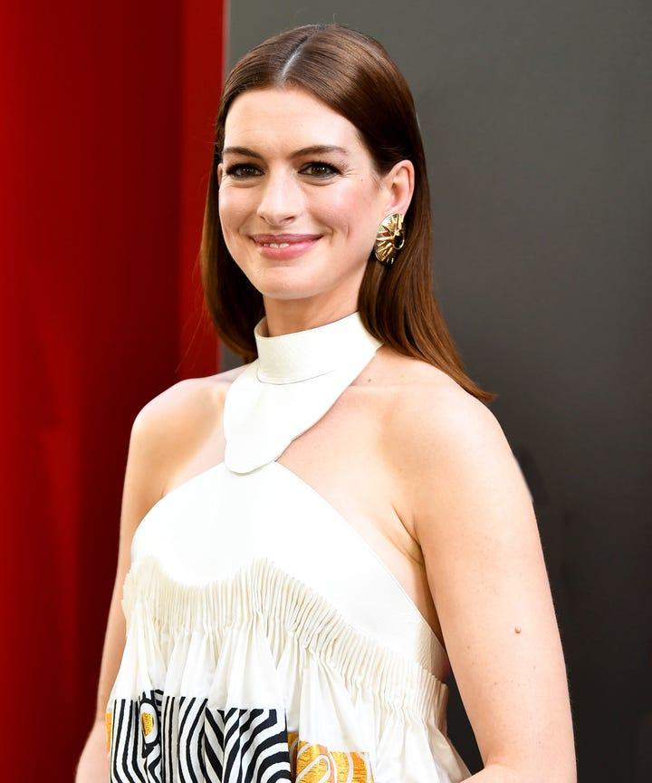 Anne Hathaway Latest Movie: Anne Hathaway, Matthew McConaughey Star In Serenity