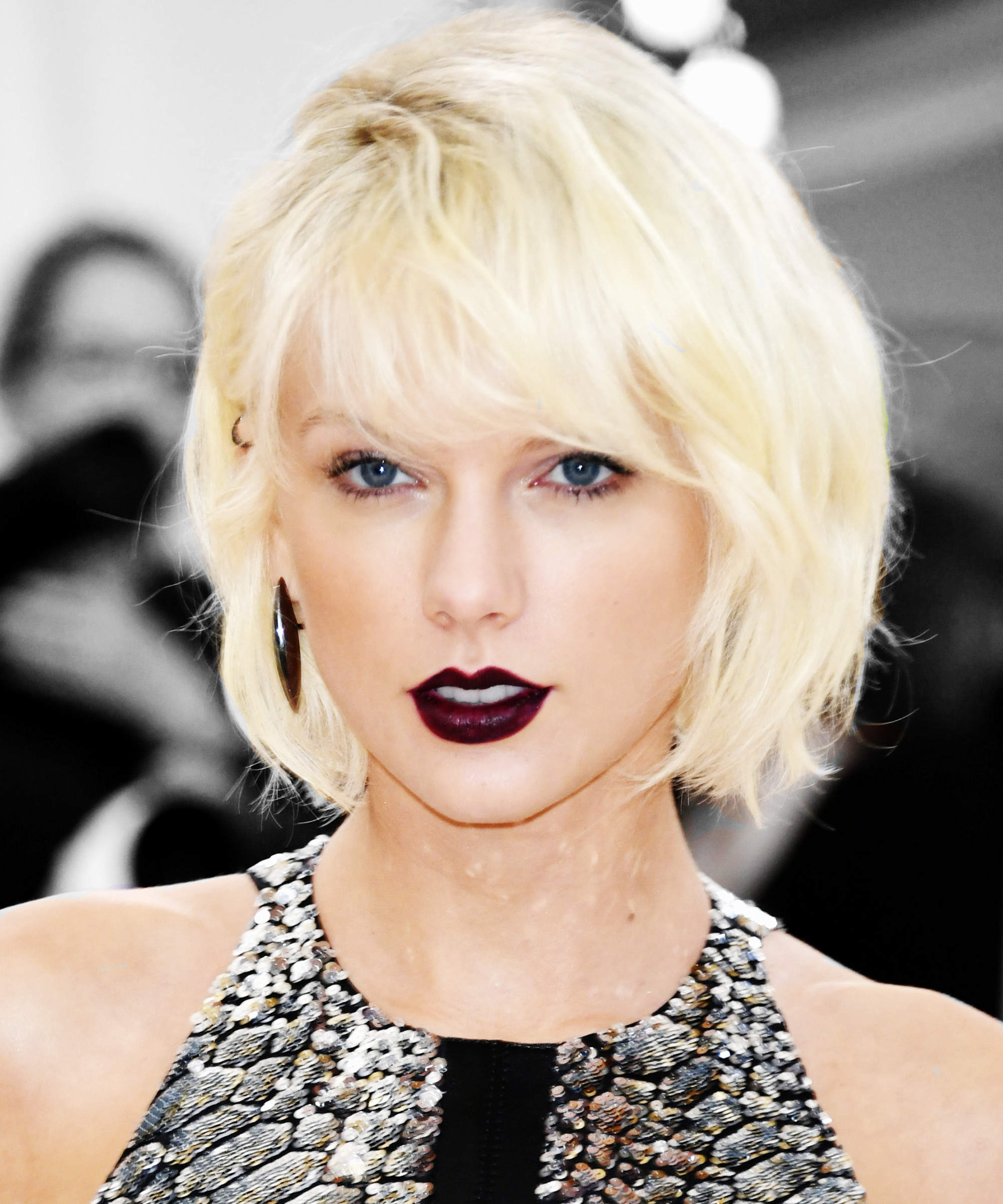 Taylor Swift Dyes Hair Natural Darker Blond