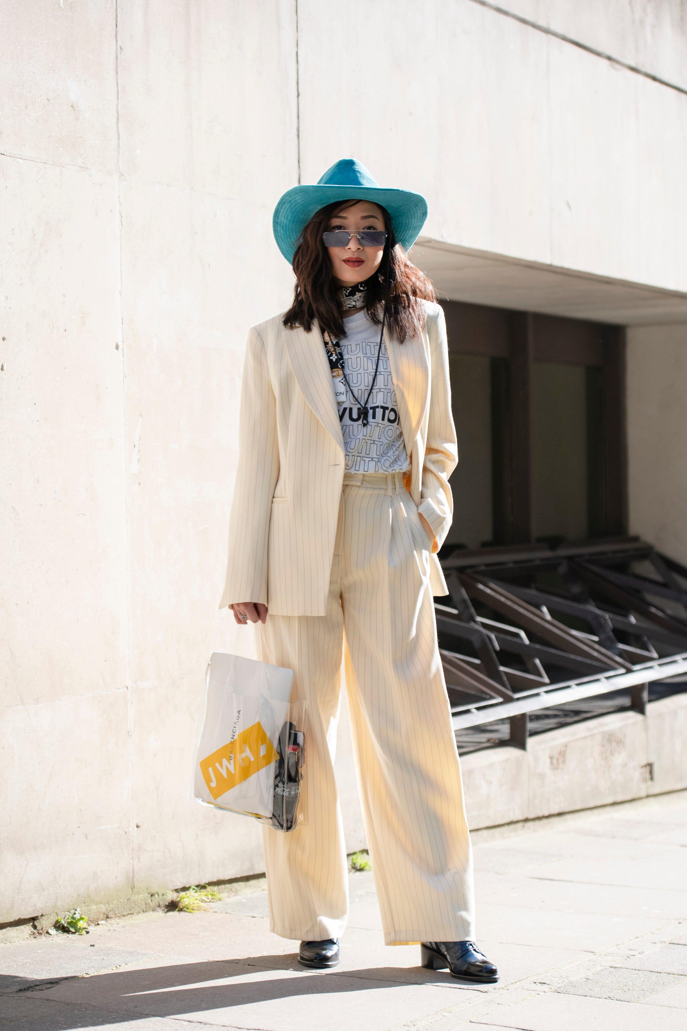 7 façons de porter la tendance foulard cette saison