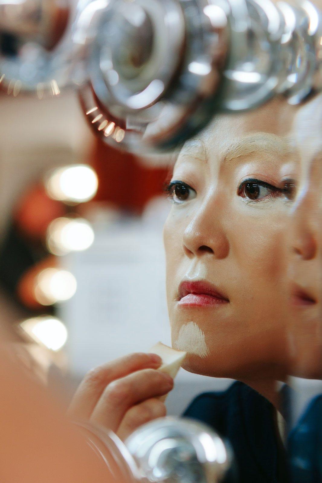 How To Do Drag Queen Makeup Tutorial