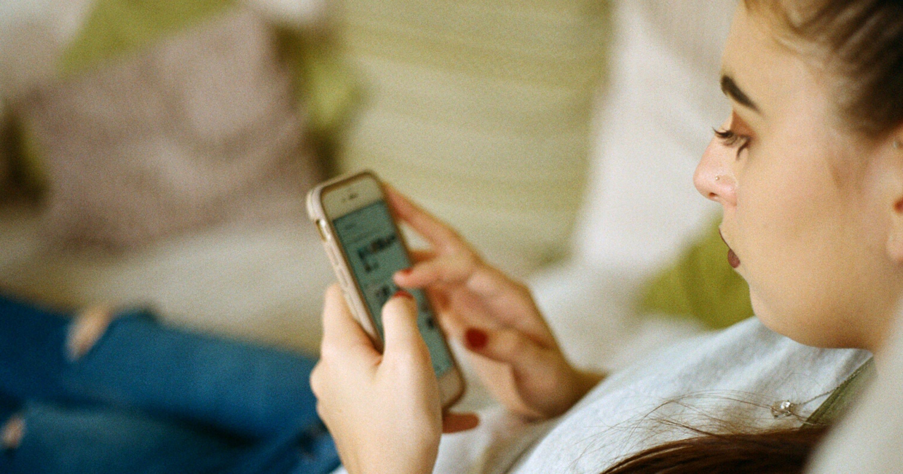 Online-dating, das vorgibt, jemand anderes zu sein
