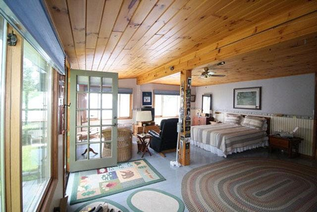Bernie Sanders Vacation Home Vermont,House Exterior Paint Colors That Go With Red Brick