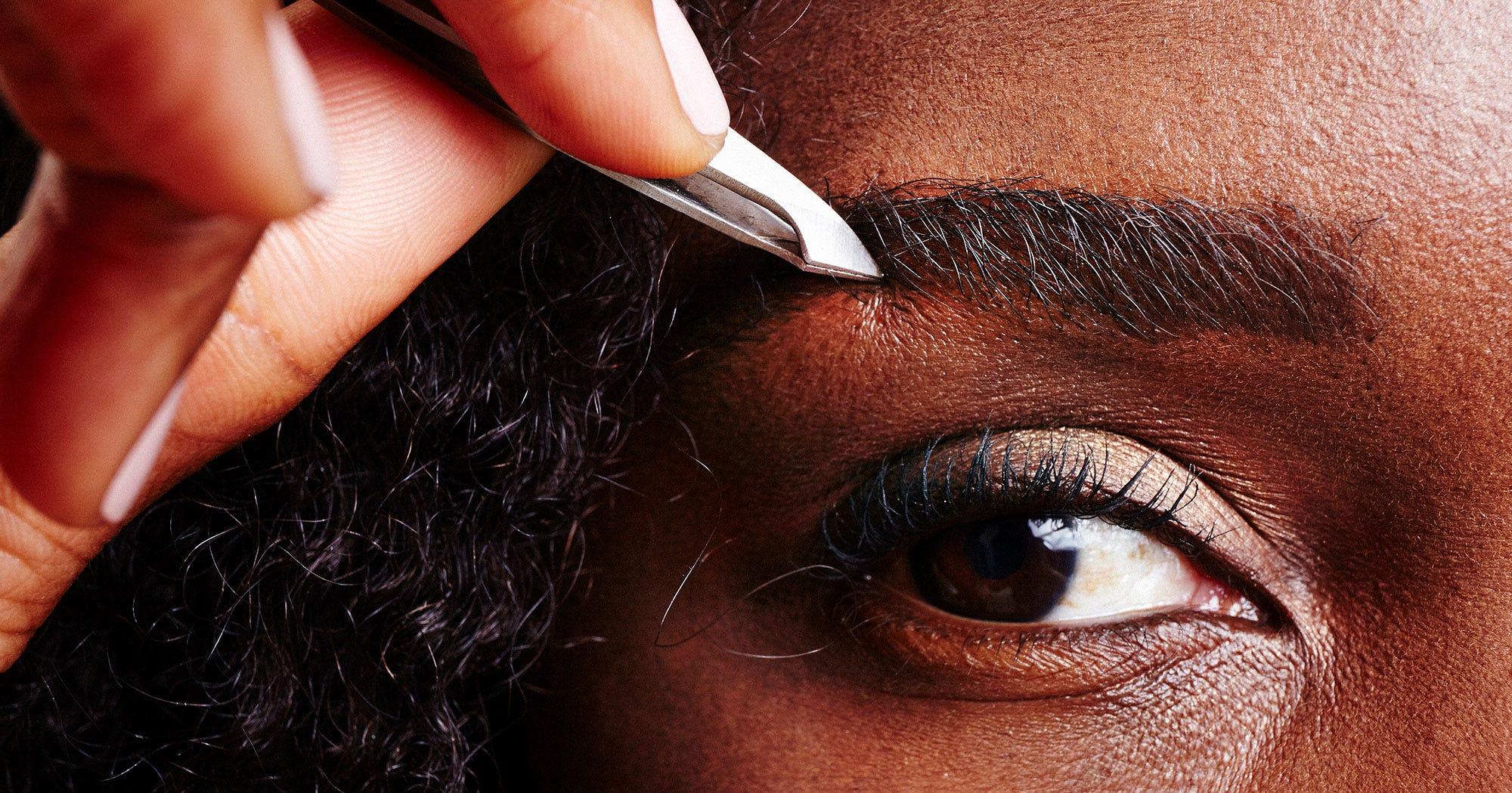 Augenbrauen richtig zupfen: Mit diesen Tipps geht nichts mehr schief