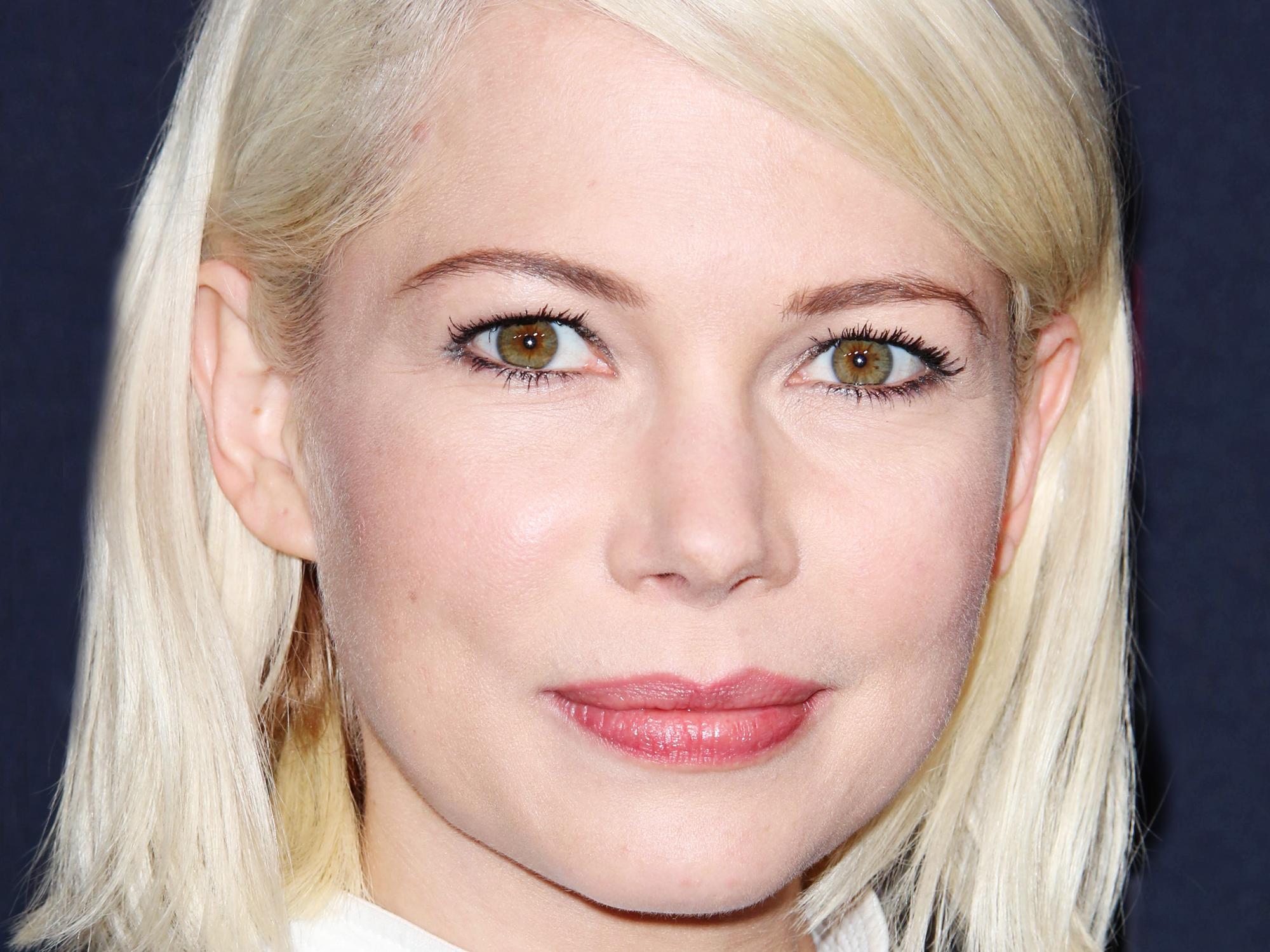 Braune augen und blonde haare