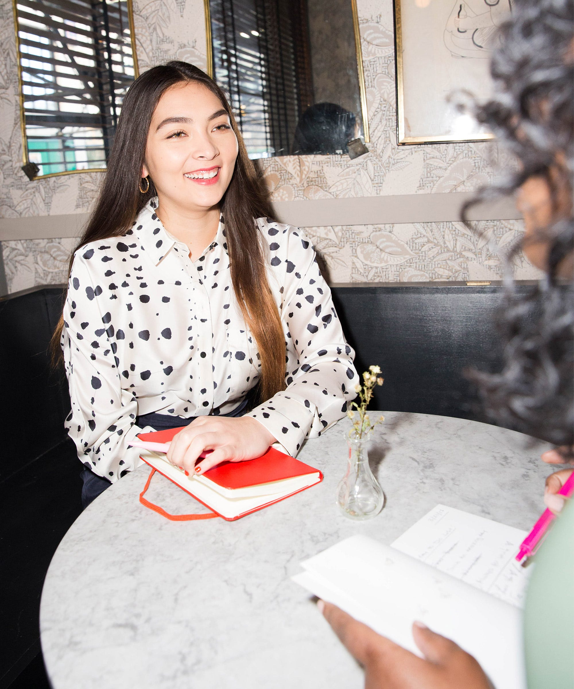 9 Things You Should Never Forget To Bring To A Job Interview