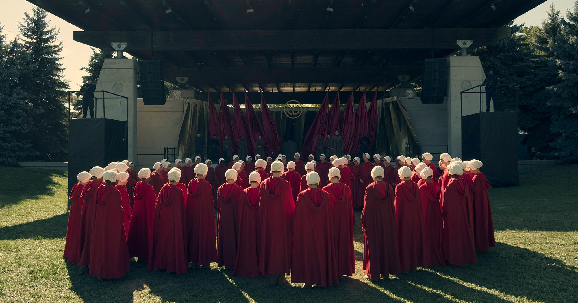 close reading essay a handmaids tale The handmaid's tale lesson plans include daily lessons, fun activities, essay topics, test/quiz questions, and more everything you need to teach the handmaid's tale.