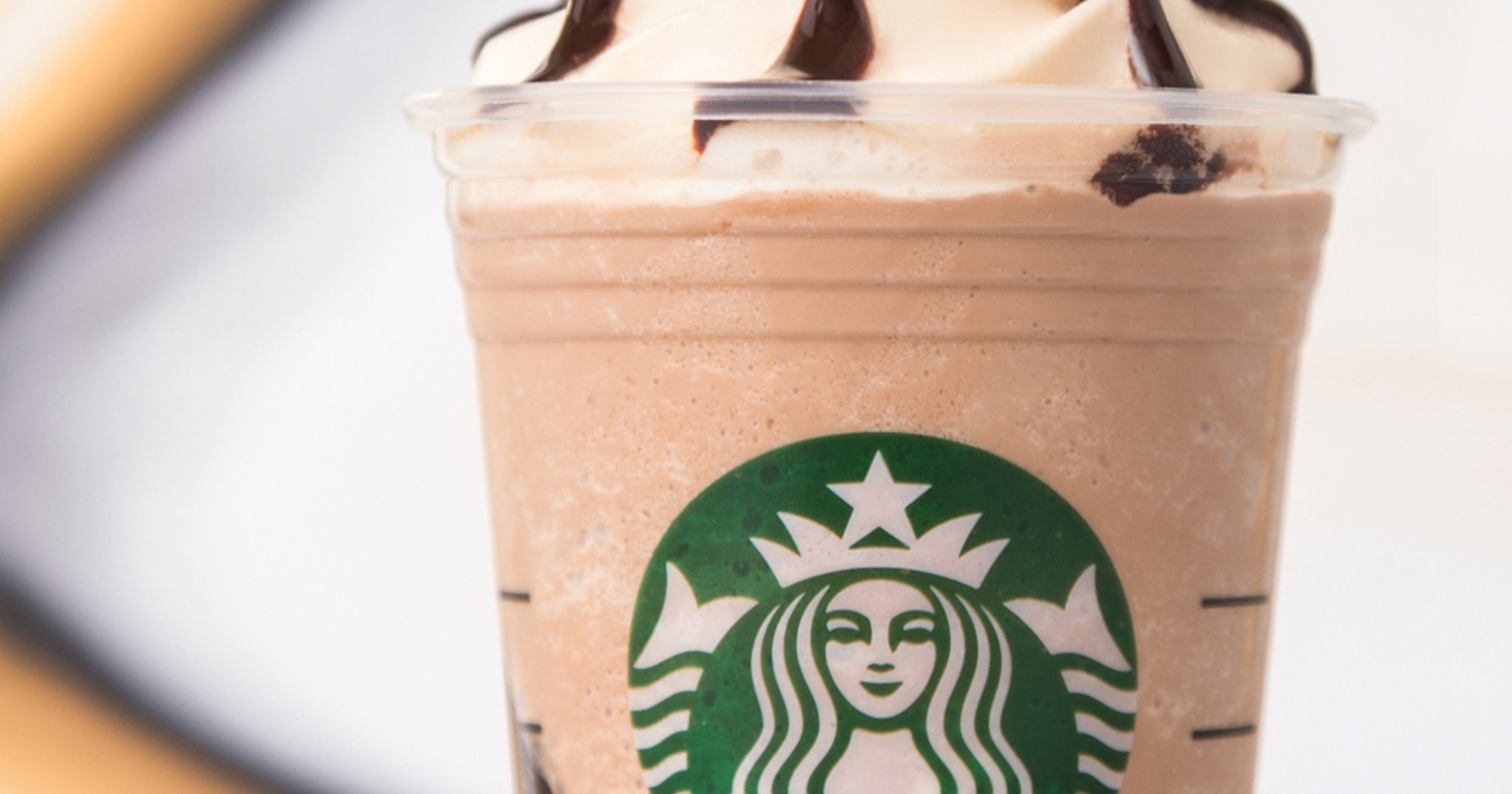 Custom Starbucks Drinks That Real People Order Off Menu