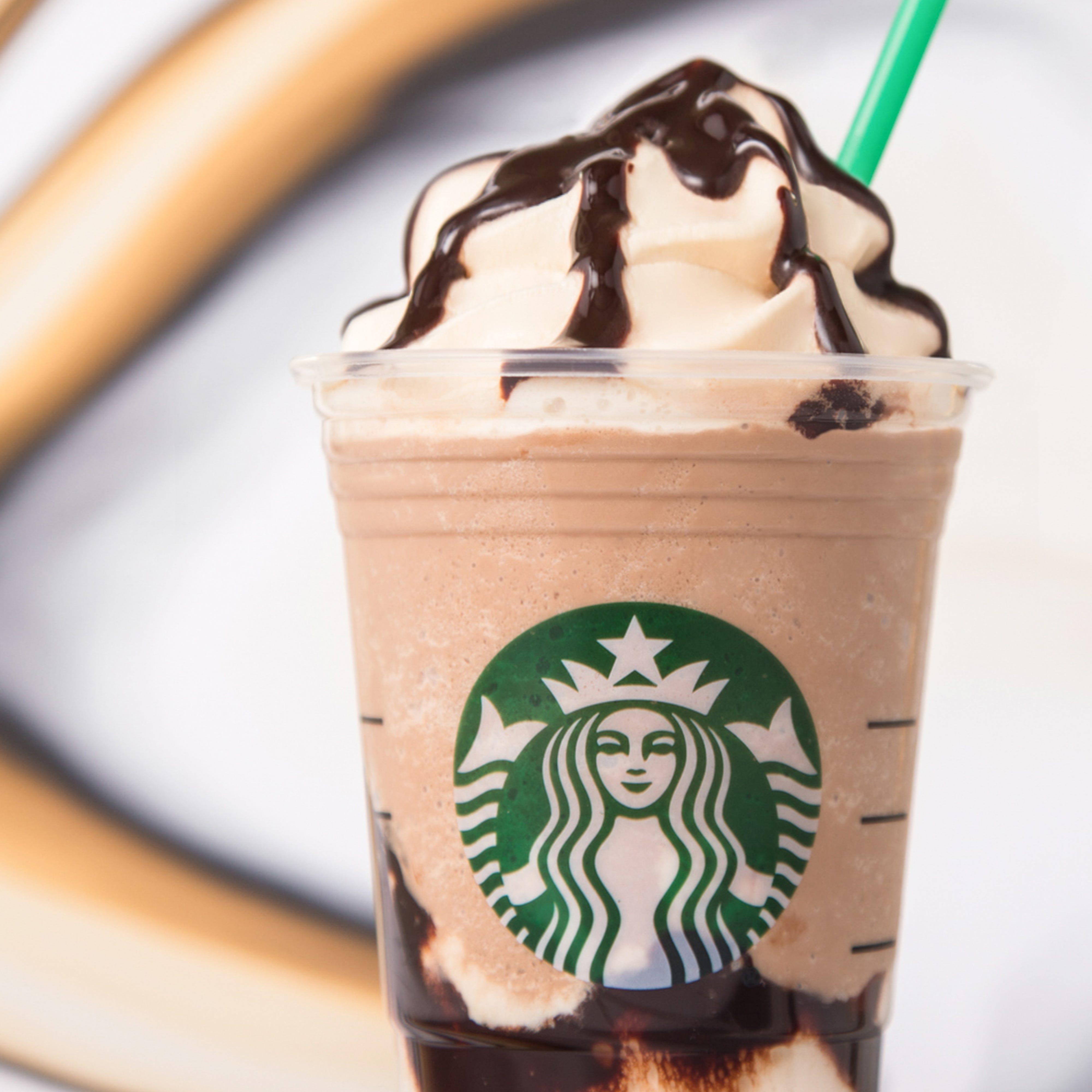 Custom Starbucks Drinks That Real People Order Off Menu