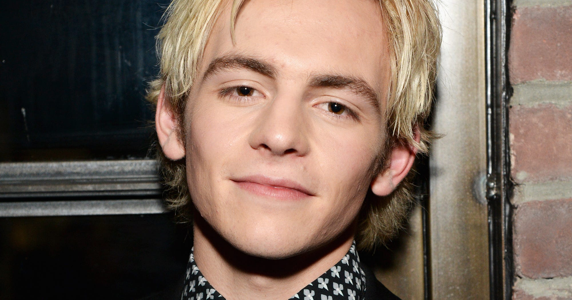 Ross Lynch Cast Harvey Kinkle Sabrina The Teenage Witch
