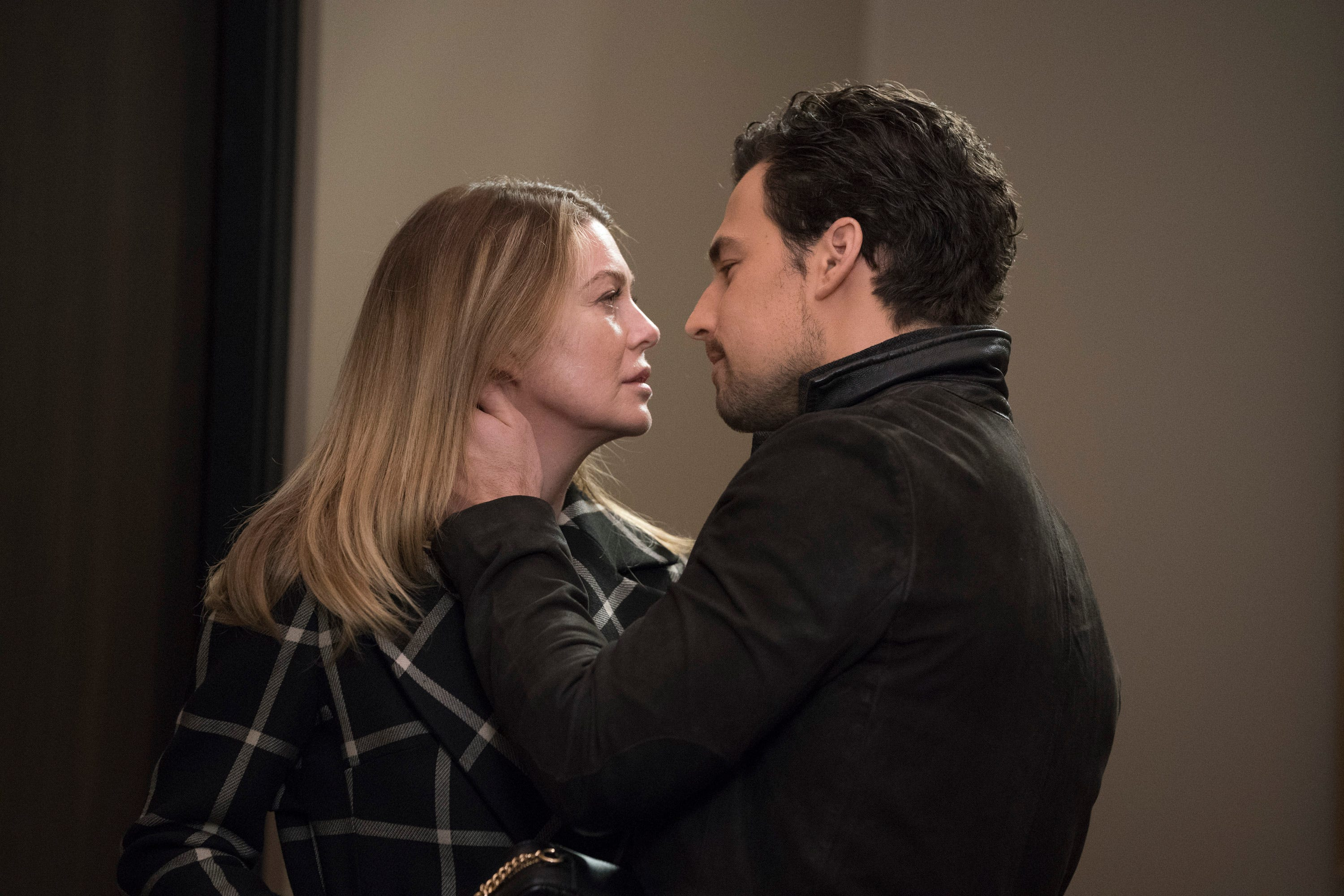 Anatomy Of A Love Seen En Español what wild grey's anatomy finale means for season 16