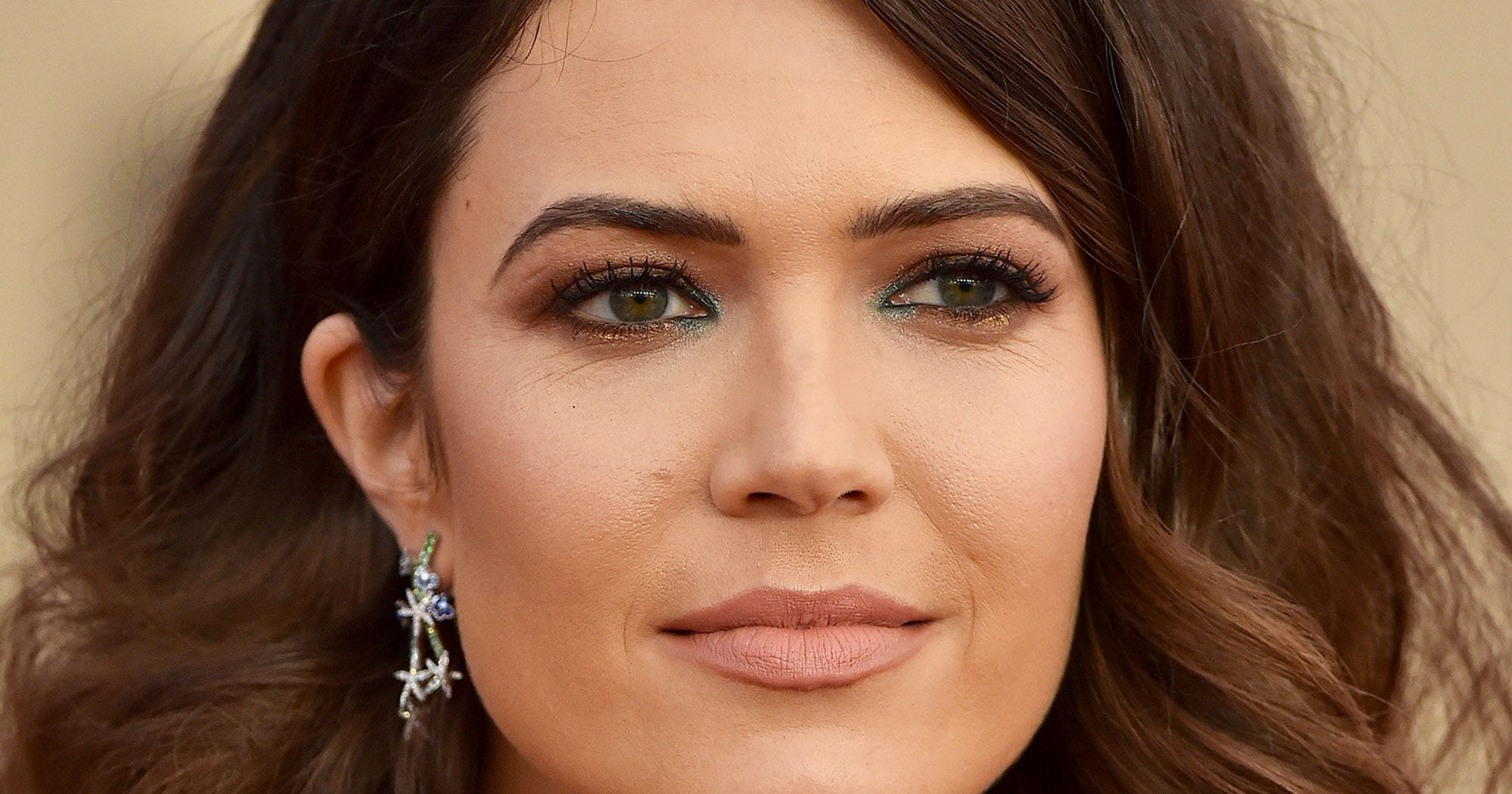This Teeny-Tiny Makeup Trick Makes A HUGE Difference