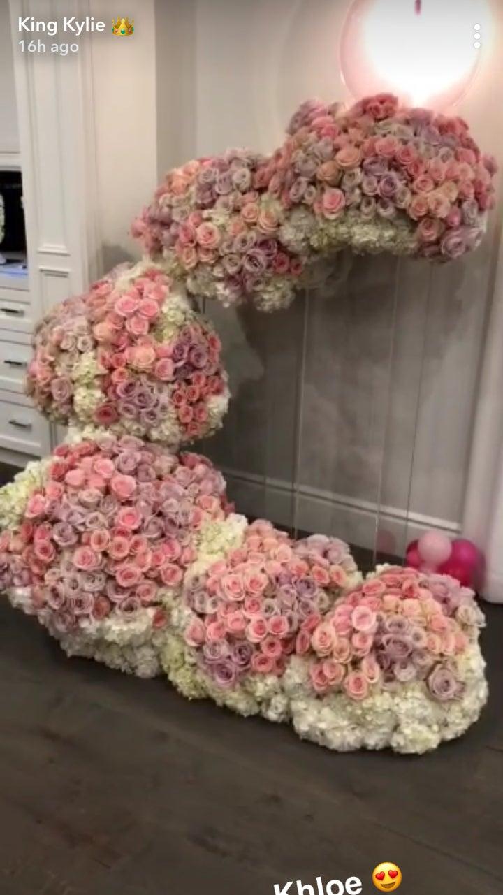 Kylie jenner baby stormi webster flower arrangements izmirmasajfo