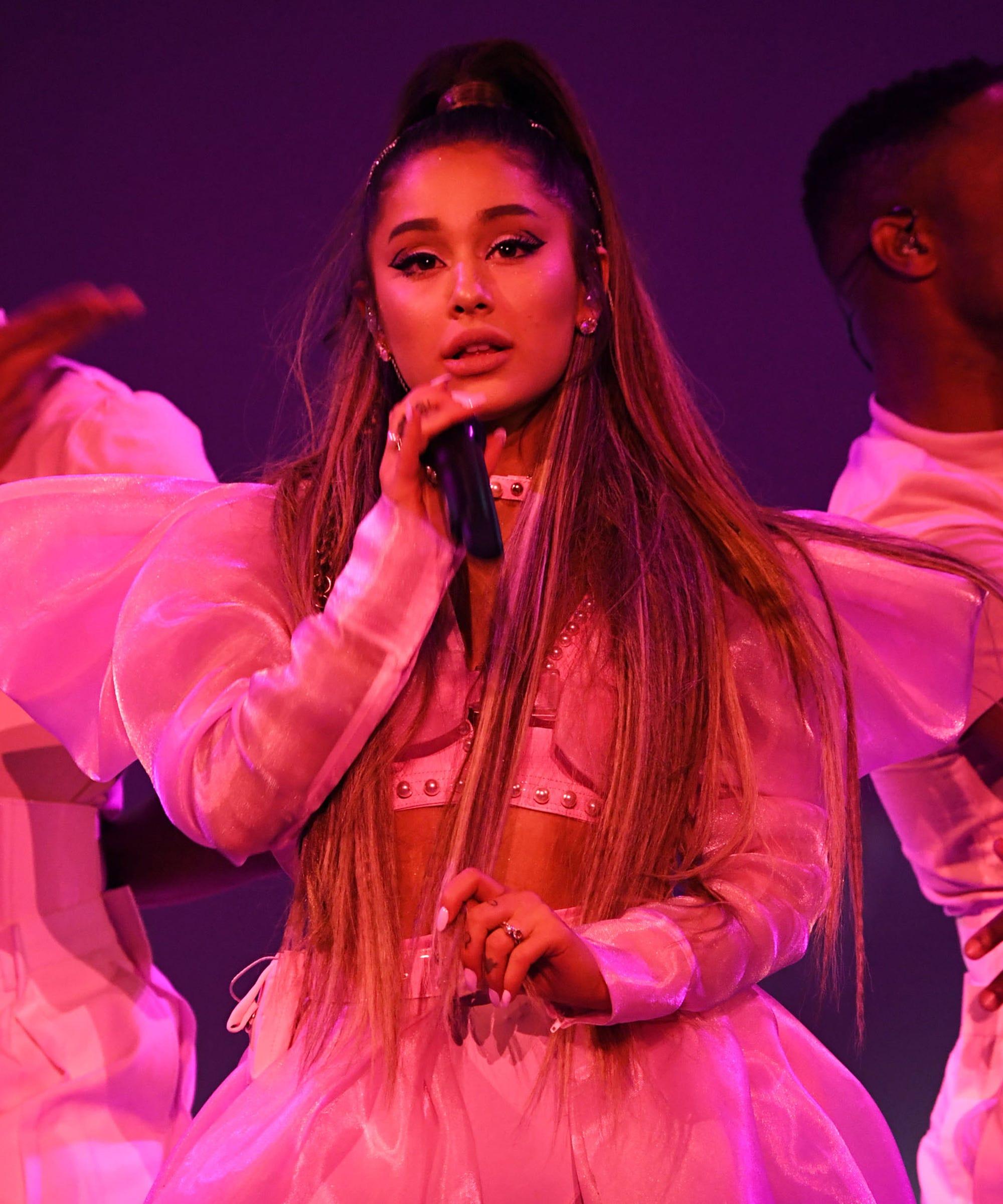 Ariana Grande 2 Chainz Surprise Sweetener Tour Diary