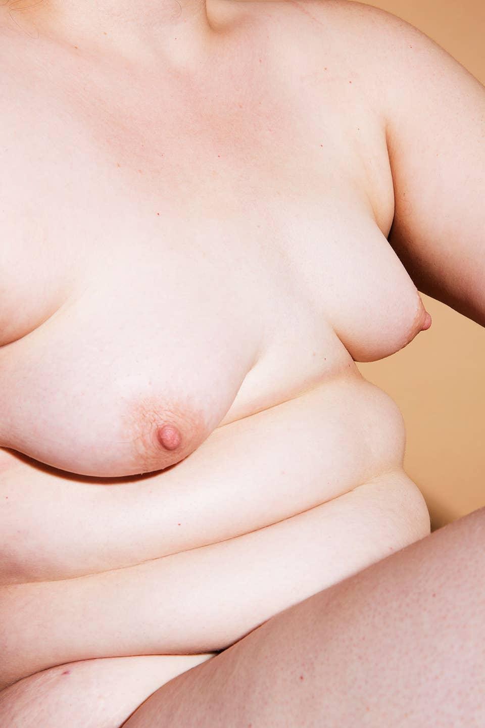 C 85 brüste nackt Pleasure State