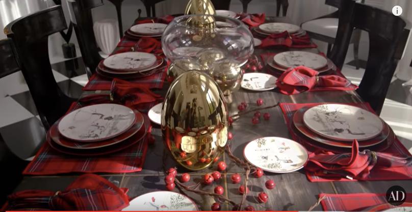 Williams Sonoma Christmas Table.Kardashian Christmas Decor To Inspire Your Holiday Home