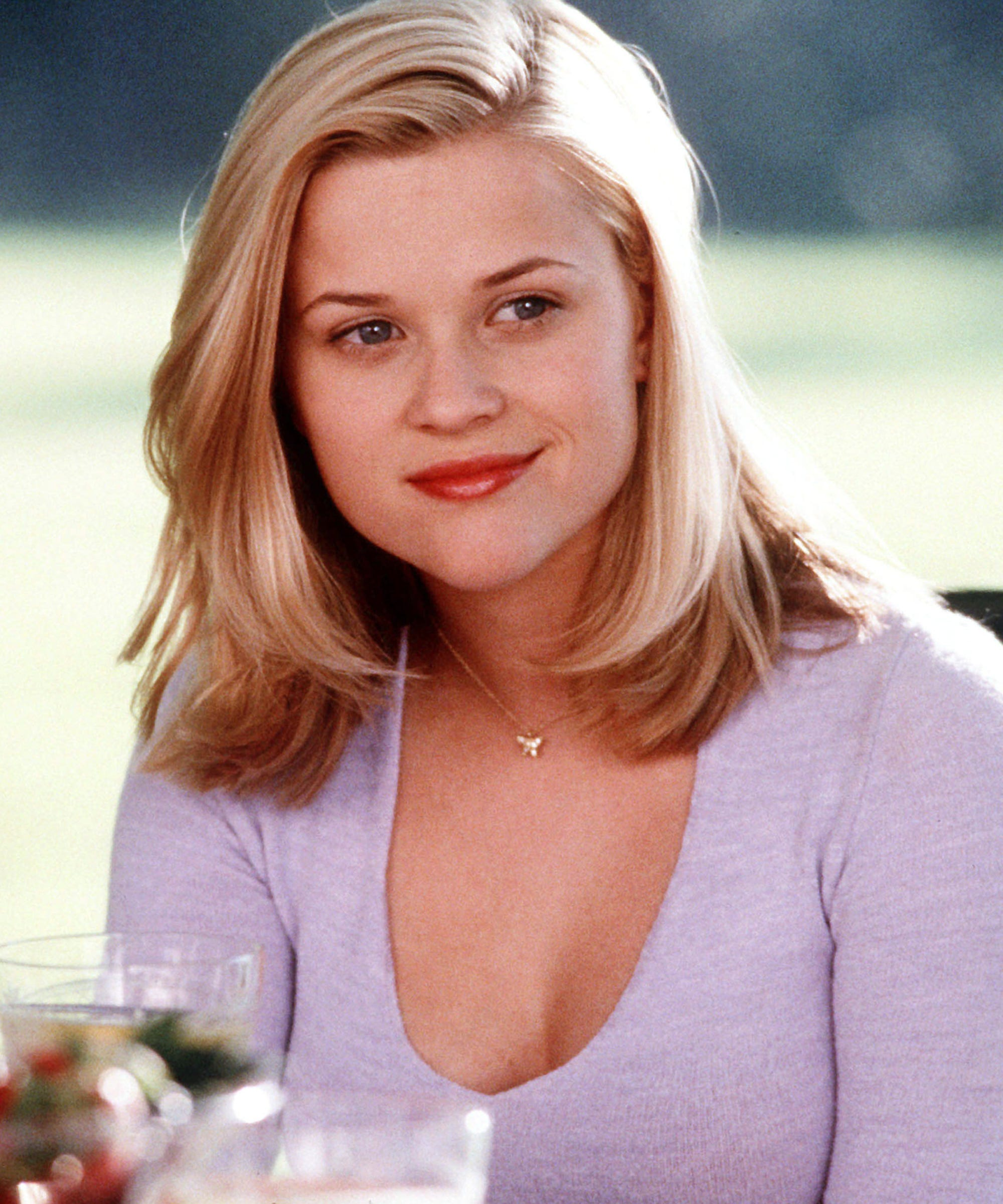 Reese Witherspoon Look Alike Daughter Gets 90s Bob