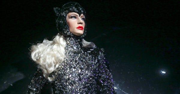 Phillipe Blond Agender Mannequins Gender Identity