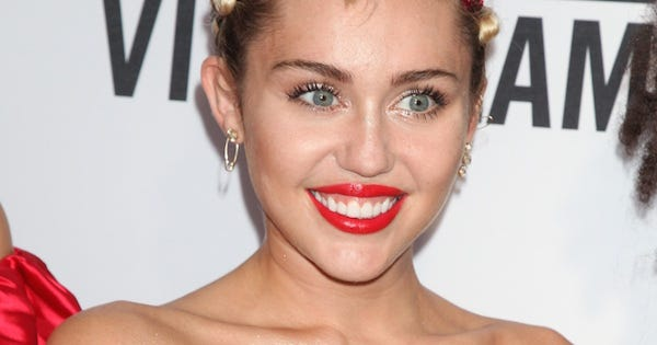 are there naked pics of miley cyrus