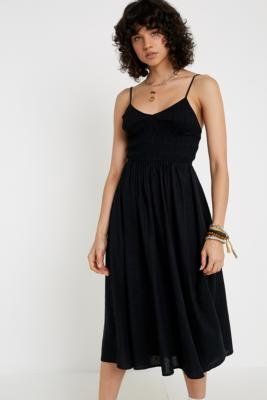 bd17e36a47c93 Urban Outfitters + UO Geneva Ruched Empire Waist Midi Dress